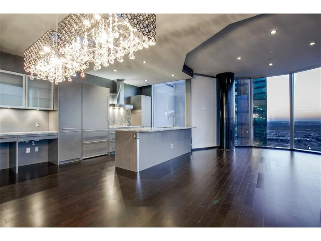 Leased | 2900 Mckinnon Street #1803 Dallas, TX 75201 2