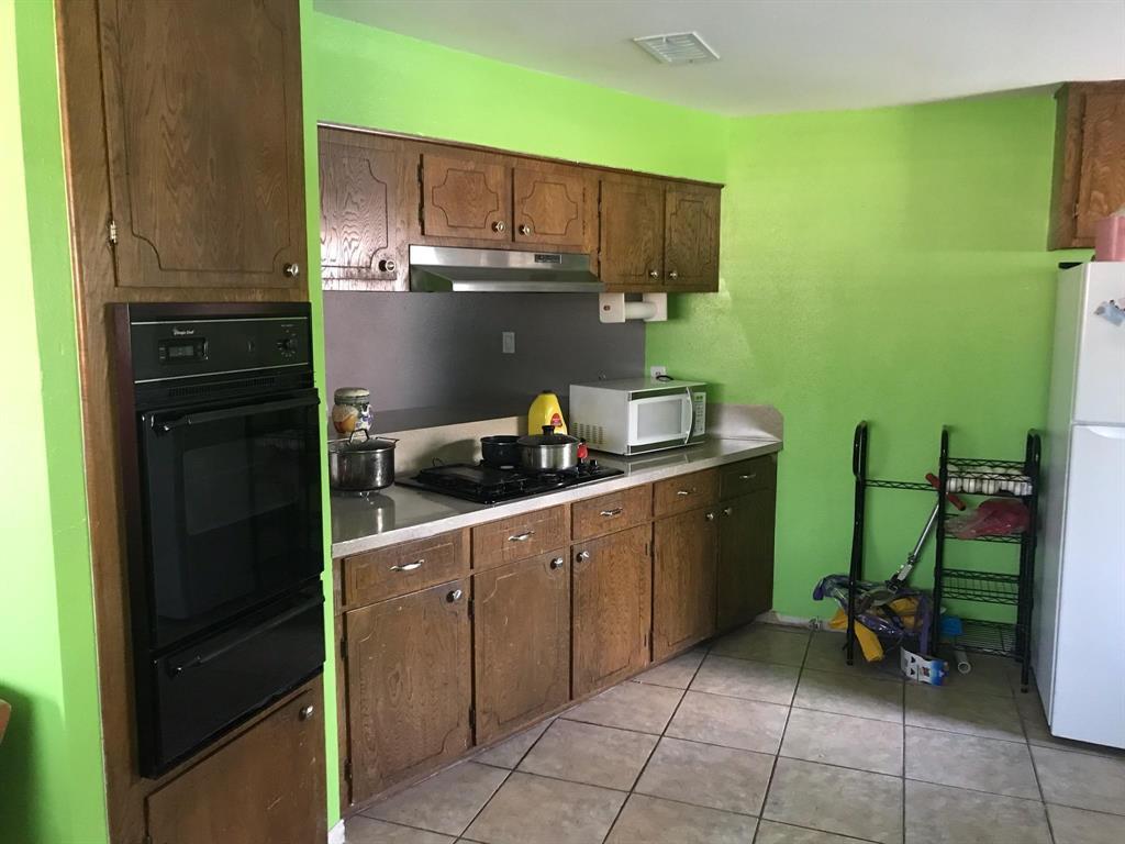 Active   9246 SEEKER Street Houston, TX 77028 10