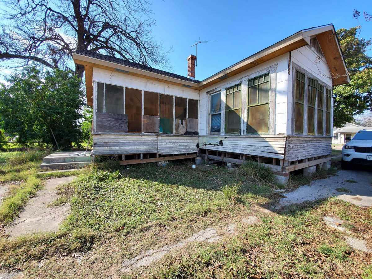 Investment properties in San Antonio   342 E Southcross San Antonio, TX 78214 1