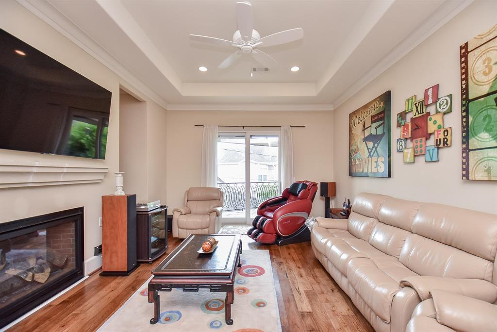Active | 5445 Lampasas Street Houston, TX 77056 19