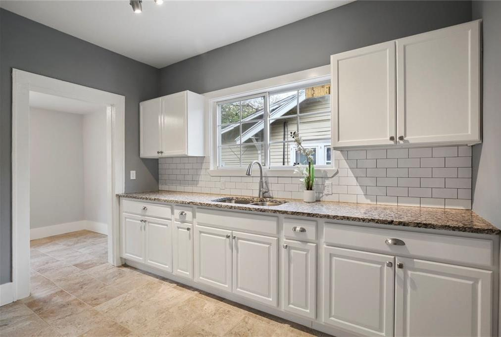 Sold Property | 224 W Clarendon Drive Dallas, Texas 75208 10