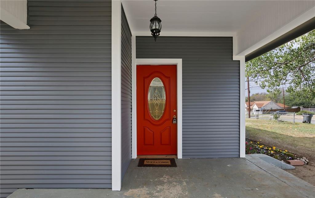 Sold Property | 224 W Clarendon Drive Dallas, Texas 75208 3