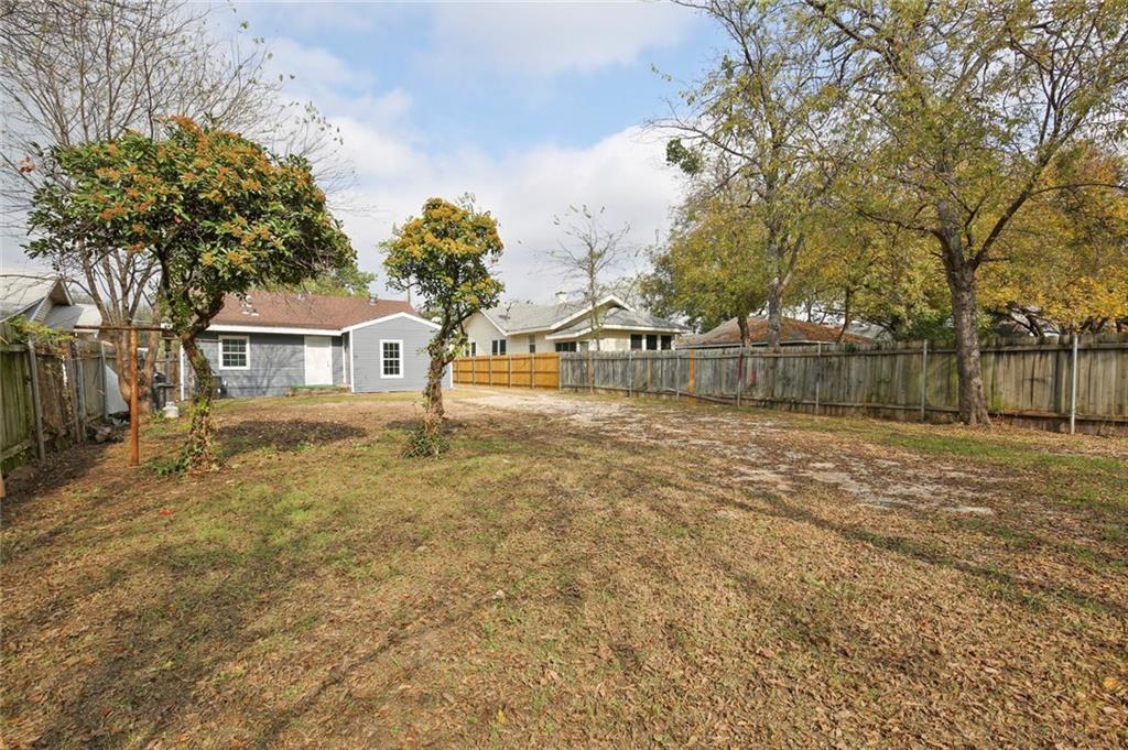 Sold Property | 224 W Clarendon Drive Dallas, Texas 75208 32