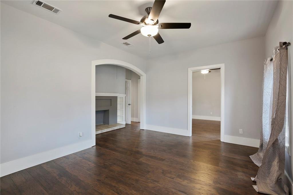 Sold Property | 224 W Clarendon Drive Dallas, Texas 75208 4