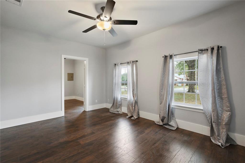 Sold Property | 224 W Clarendon Drive Dallas, Texas 75208 5