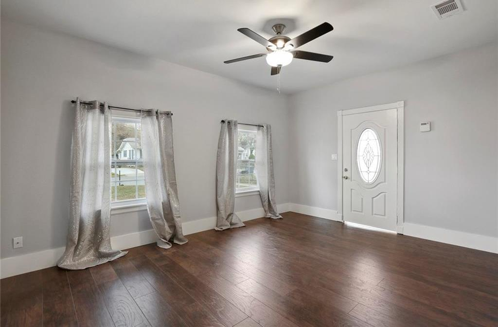 Sold Property | 224 W Clarendon Drive Dallas, Texas 75208 6