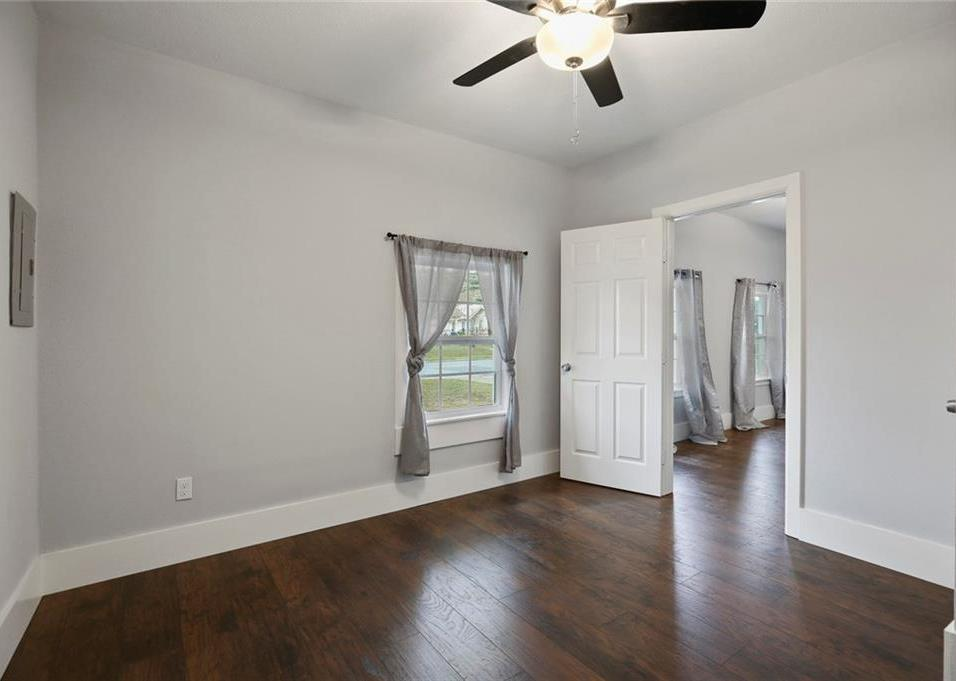 Sold Property | 224 W Clarendon Drive Dallas, Texas 75208 8