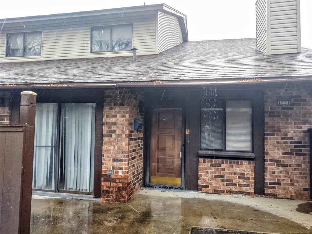 Condo ownership, luxury living, Pool & Clubhouse   1221 S 112th East Avenue #25-3b Tulsa, OK 74128 0