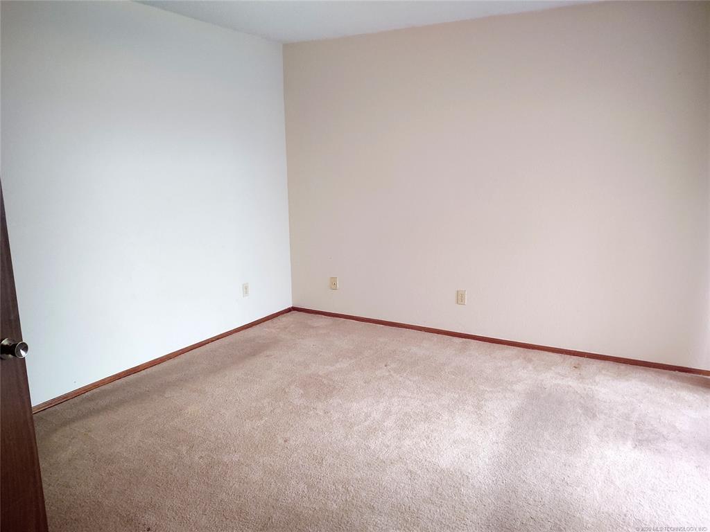Condo ownership, luxury living, Pool & Clubhouse   1221 S 112th East Avenue #25-3b Tulsa, OK 74128 12