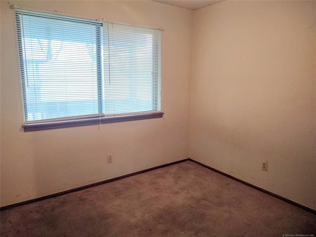 Condo ownership, luxury living, Pool & Clubhouse   1221 S 112th East Avenue #25-3b Tulsa, OK 74128 13