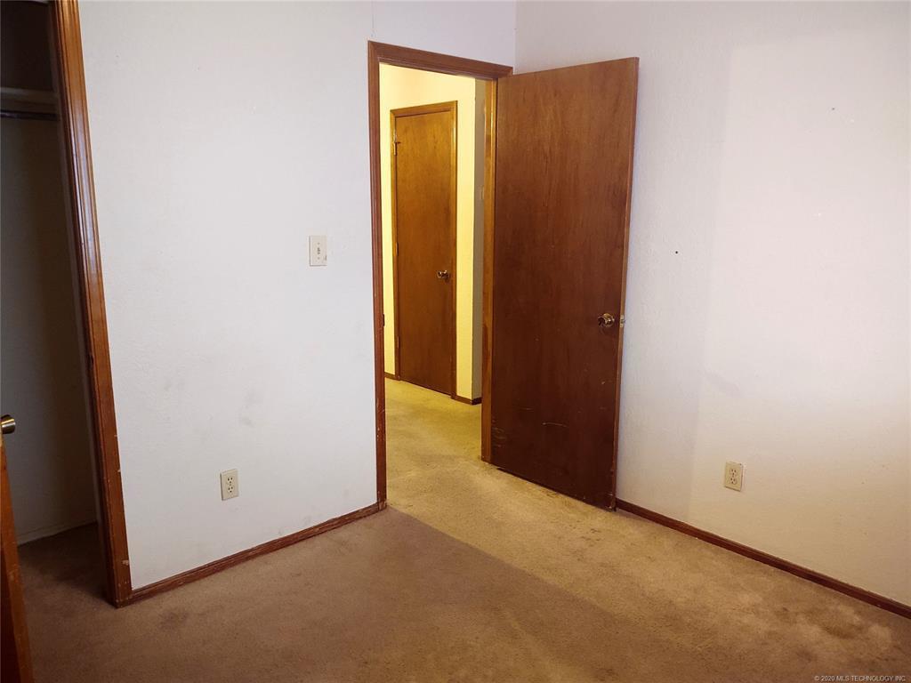 Condo ownership, luxury living, Pool & Clubhouse   1221 S 112th East Avenue #25-3b Tulsa, OK 74128 14