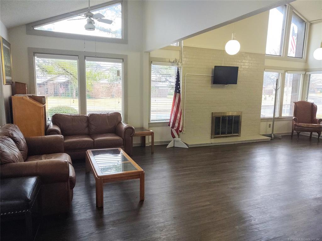 Condo ownership, luxury living, Pool & Clubhouse   1221 S 112th East Avenue #25-3b Tulsa, OK 74128 17