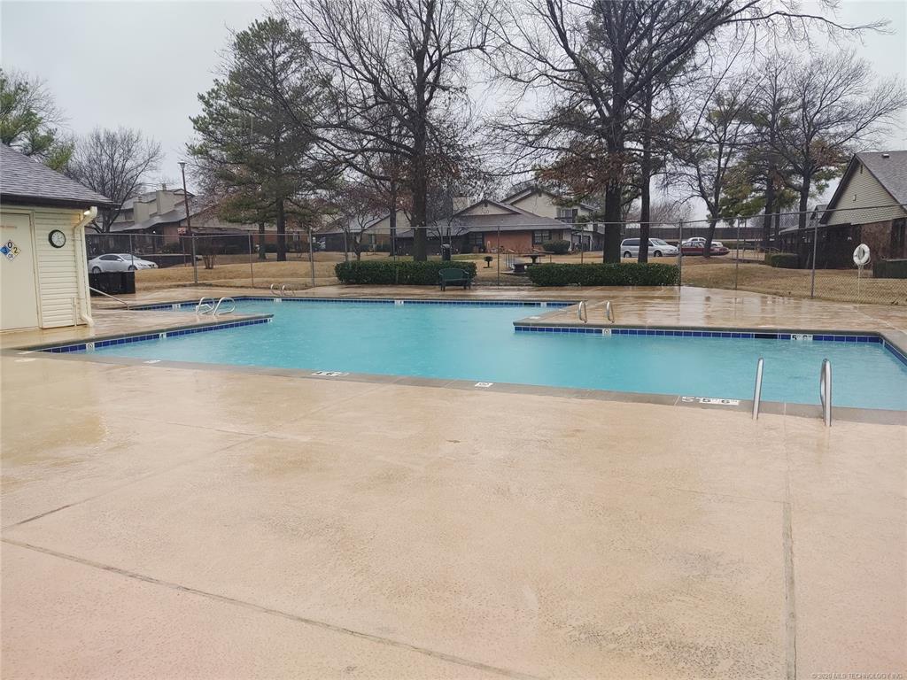 Condo ownership, luxury living, Pool & Clubhouse   1221 S 112th East Avenue #25-3b Tulsa, OK 74128 19