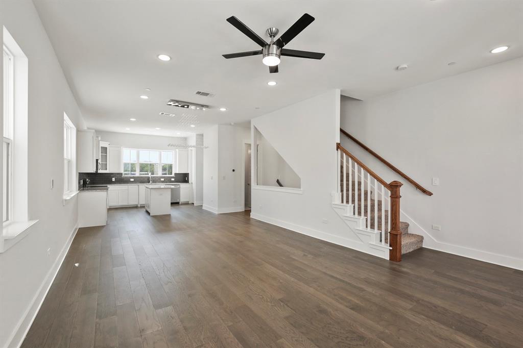 Sold Property   221 S Village  Way Lewisville, TX 75057 11
