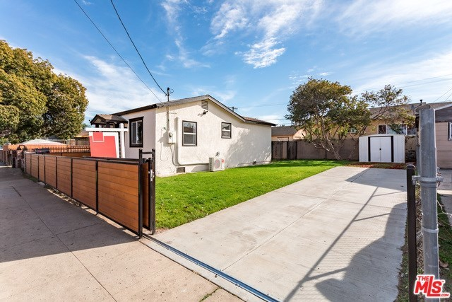 Closed | 3130 W 67TH Street Los Angeles, CA 90043 24