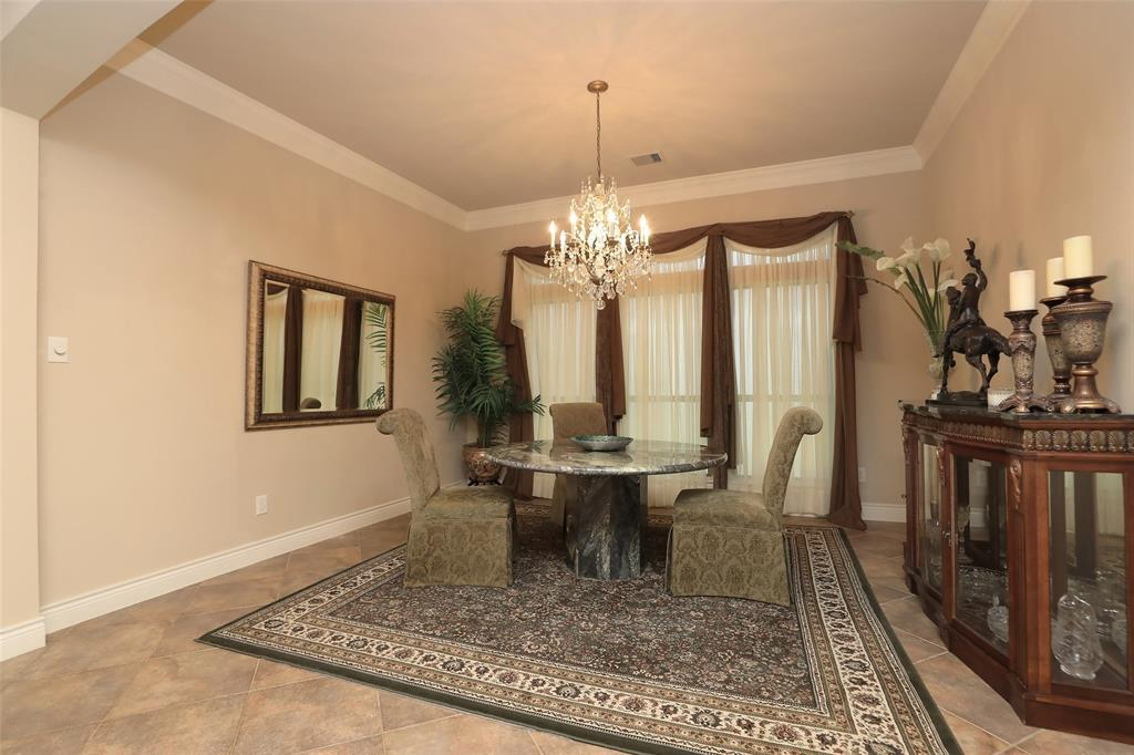 Off Market | 1027 Vaulted Oak Street Houston, TX 77008 9