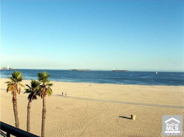 Closed | 1 3rd Place #203 Long Beach, CA 90802 18