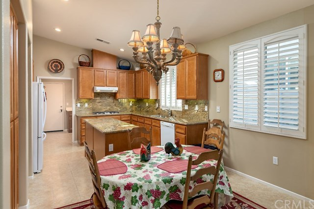 Four Seasons Homes for Sale in Beaumont | 1672 Piper Beaumont, CA 92223 8