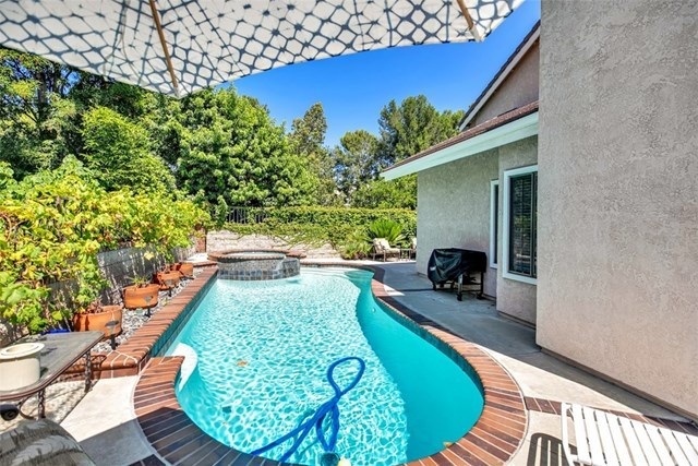 Closed | 28611 Mill Pond  Mission Viejo, CA 92692 48