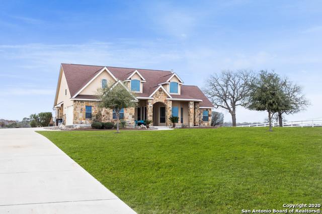 Active | 209 ABREGO LAKE DR  Floresville, TX 78114 0