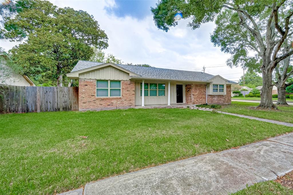 Property for Rent | 5402 Indigo Street Houston, TX 77096 2
