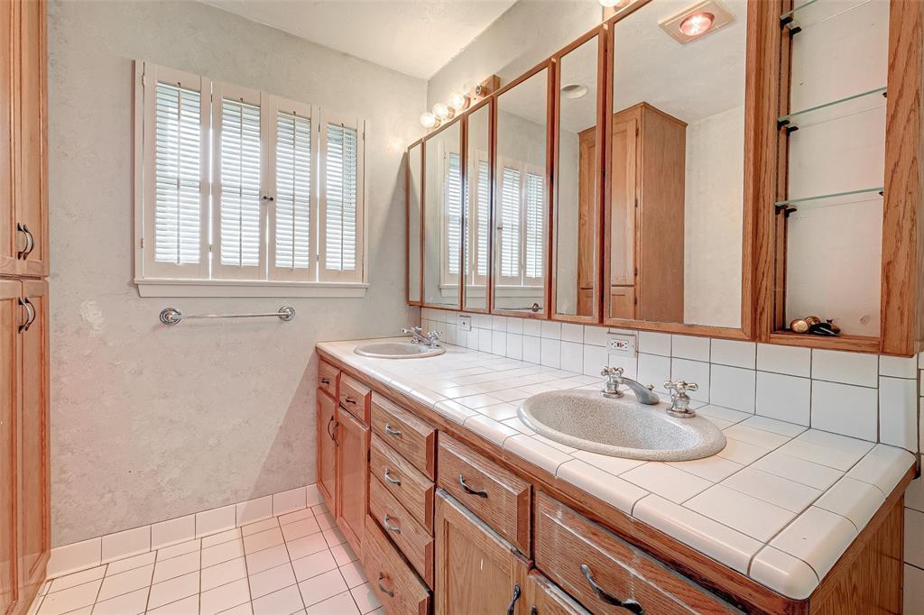 Property for Rent | 5402 Indigo Street Houston, TX 77096 39