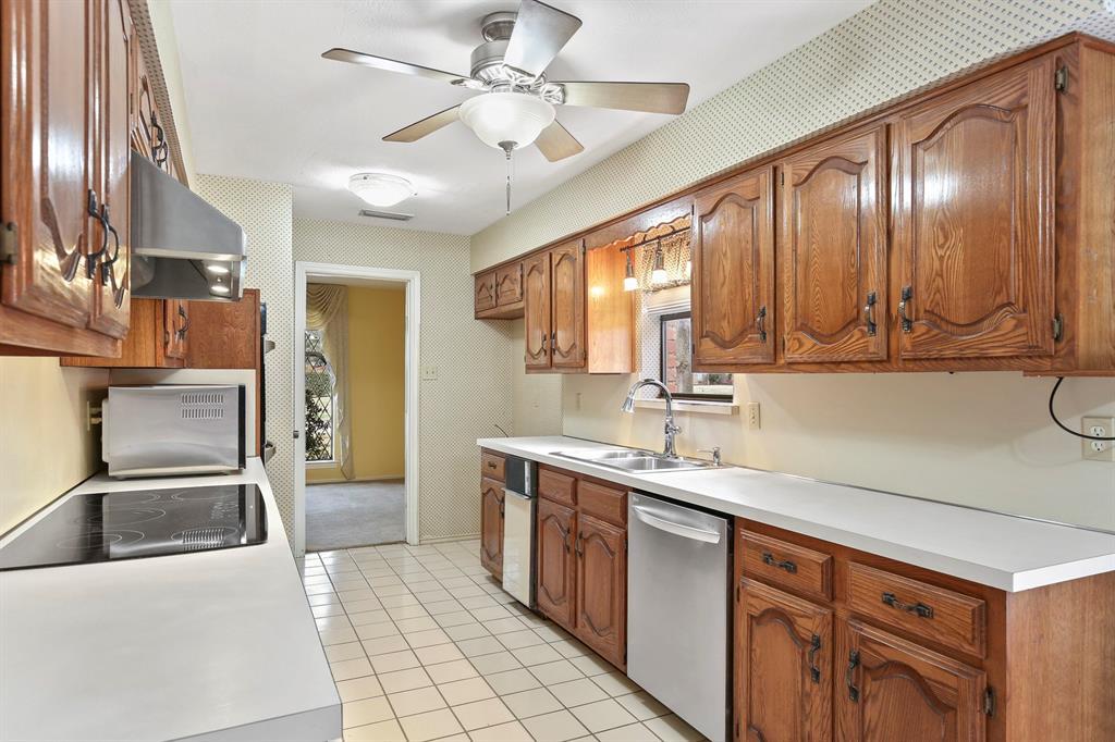 Sold Property | 1505 Summertree Court Richardson, TX 75082 10