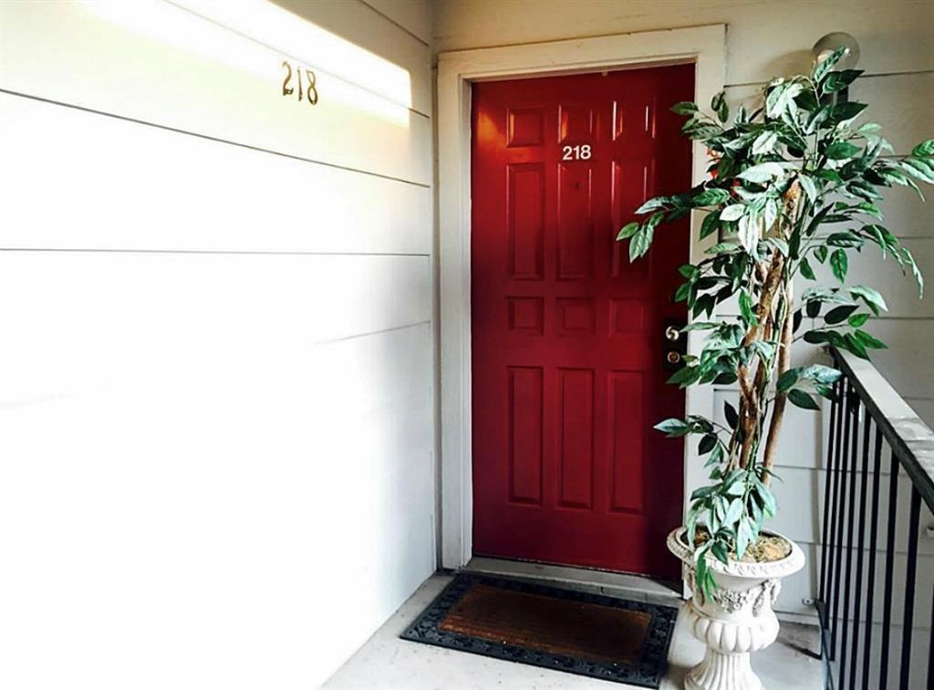 Pending   2120 Wilcrest Drive #218 Houston, TX 77042 2