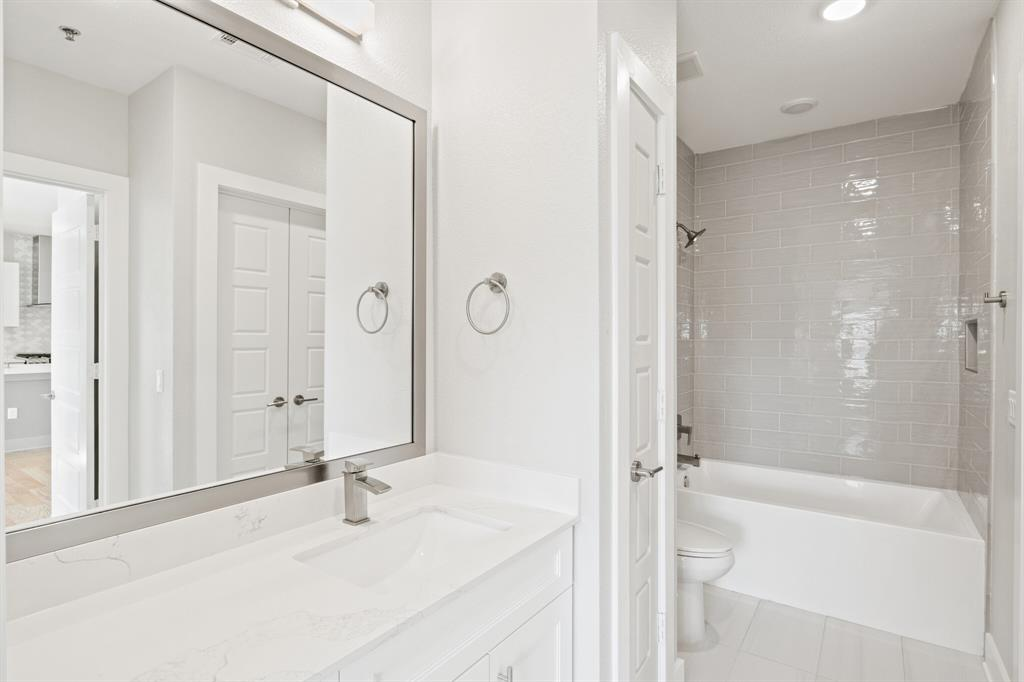 Active | 2721 Wingate  Street #107 Fort Worth, TX 76107 9