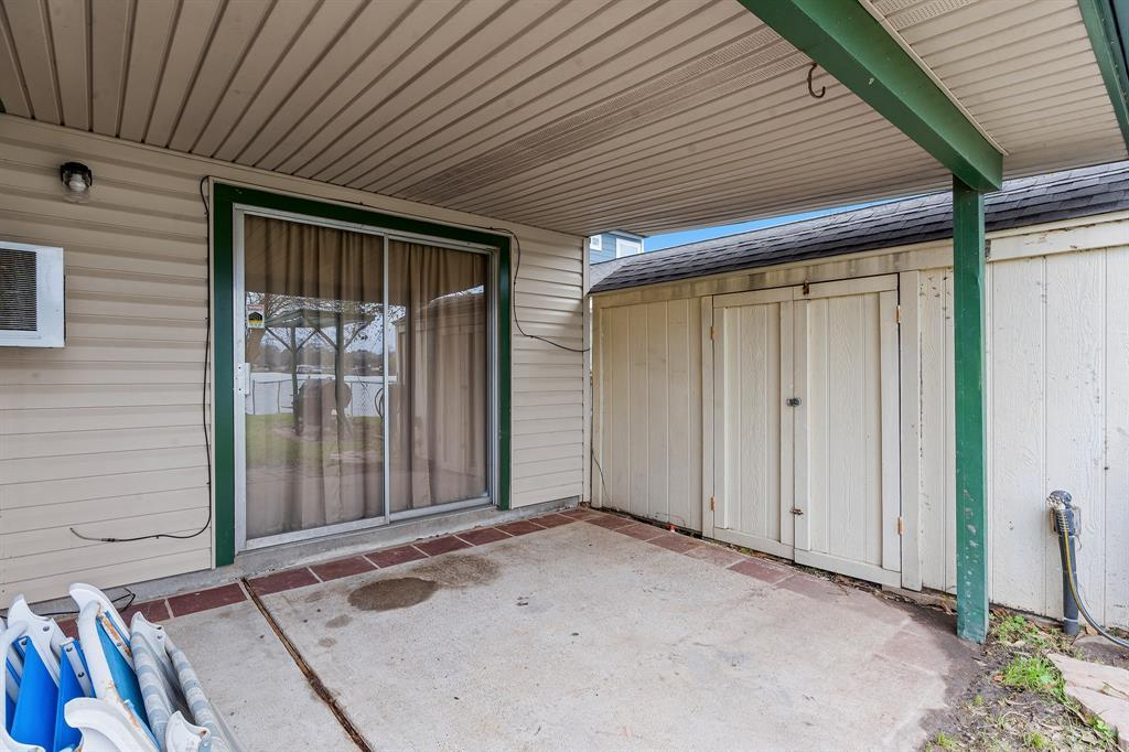 Active | 12884 Point Drive Drive Willis, TX 77318 16