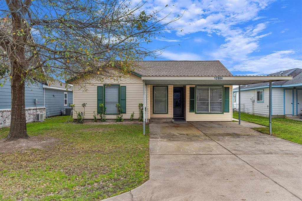 Active | 12884 Point Drive Drive Willis, TX 77318 2