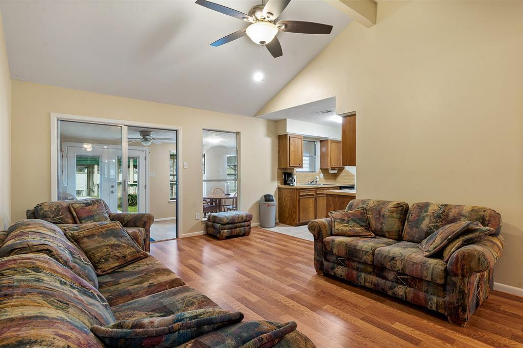 Active | 12884 Point Drive Drive Willis, TX 77318 3