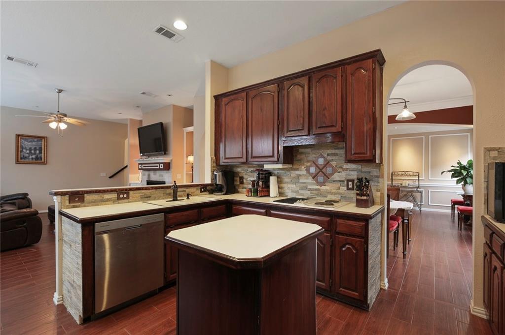 Sold Property | 3918 Azure  Lane Addison, TX 75001 23