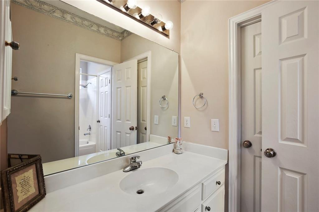 Sold Property | 3918 Azure  Lane Addison, TX 75001 33