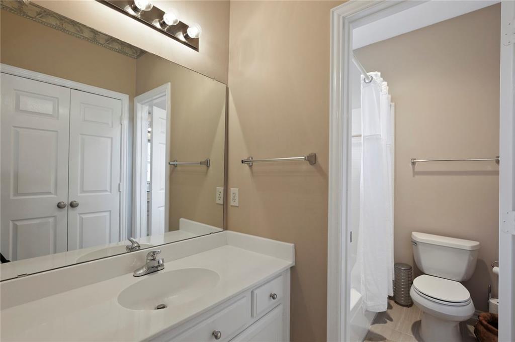 Sold Property | 3918 Azure  Lane Addison, TX 75001 35