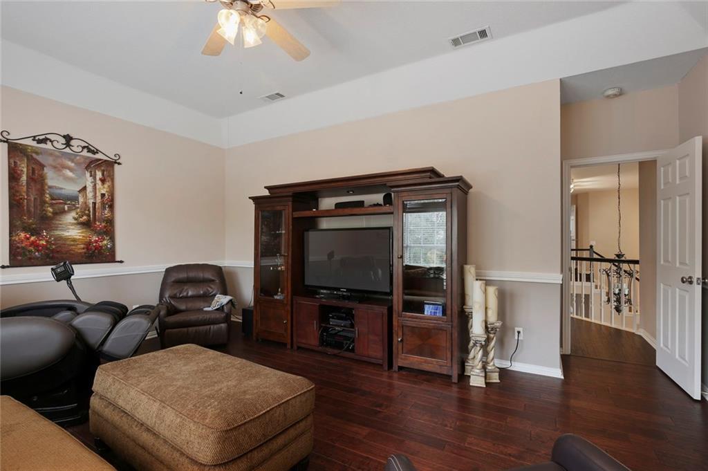 Sold Property | 3918 Azure  Lane Addison, TX 75001 37