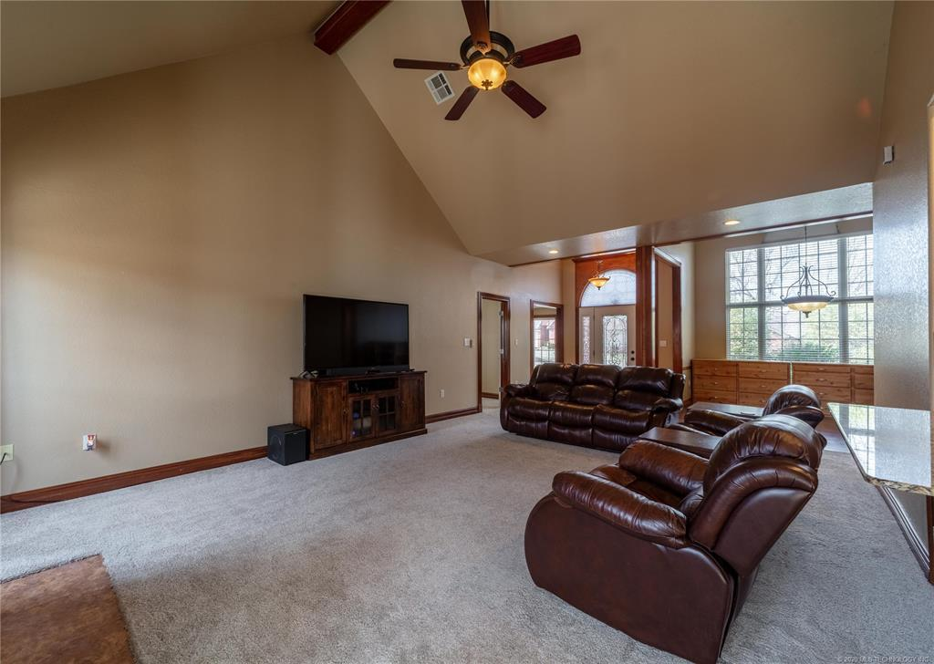 Off Market | 2012 Whipporwill Circle McAlester, OK 74501 9