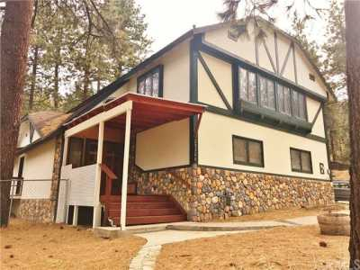 Active Under Contract   23306 N Flume Canyon Drive Wrightwood, CA 92397 1
