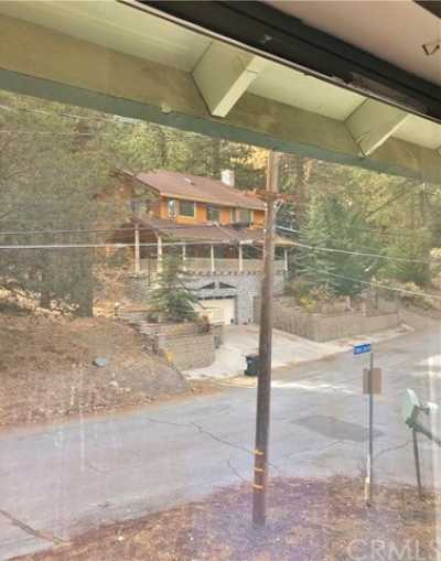 Active Under Contract   23306 N Flume Canyon Drive Wrightwood, CA 92397 25