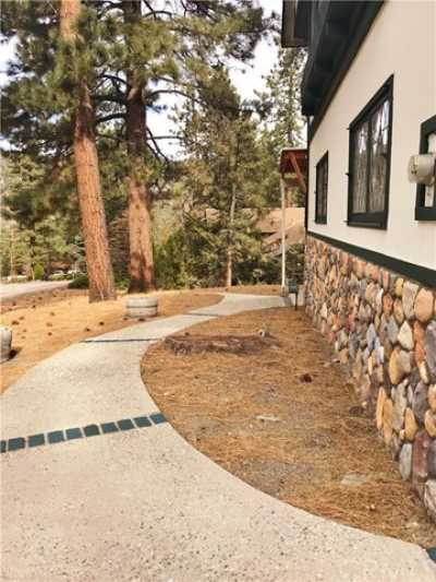 Active Under Contract   23306 N Flume Canyon Drive Wrightwood, CA 92397 53