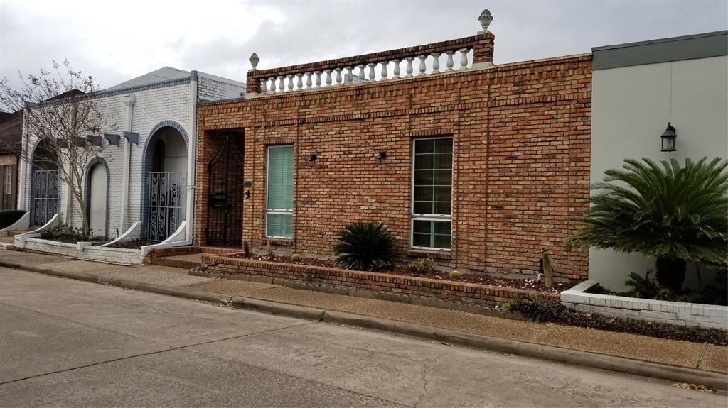 Active | 4018 Breakwood  Drive Houston, TX 77025 0