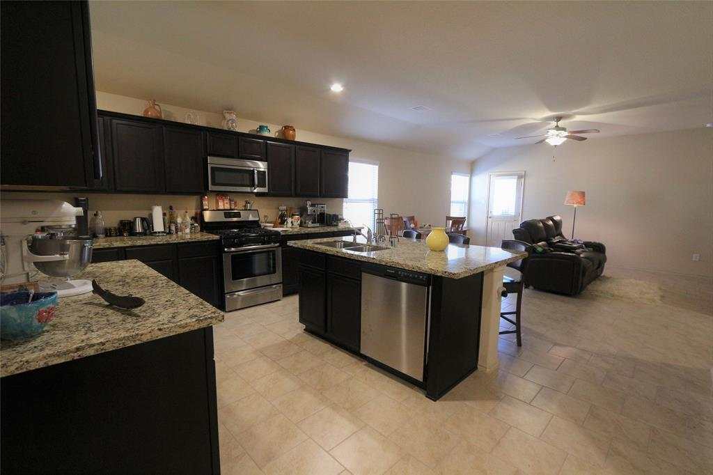 Active | 2702 Lincolns Meadow Drive Spring, TX 77373 4