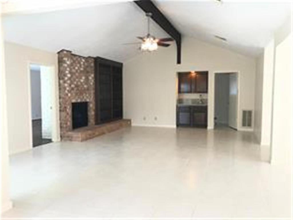 Pending   12266 Huntington Venture  Drive Houston, TX 77099 3