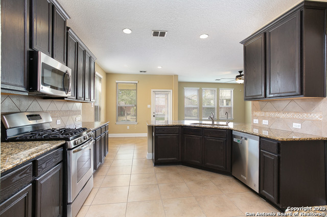 Active Option | 12443 GARRETT CRK  San Antonio, TX 78254 11