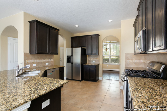 Active Option | 12443 GARRETT CRK  San Antonio, TX 78254 10