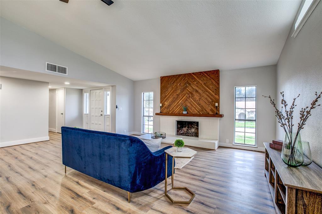 Sold Property | 7622 Christie Lane Dallas, TX 75249 5