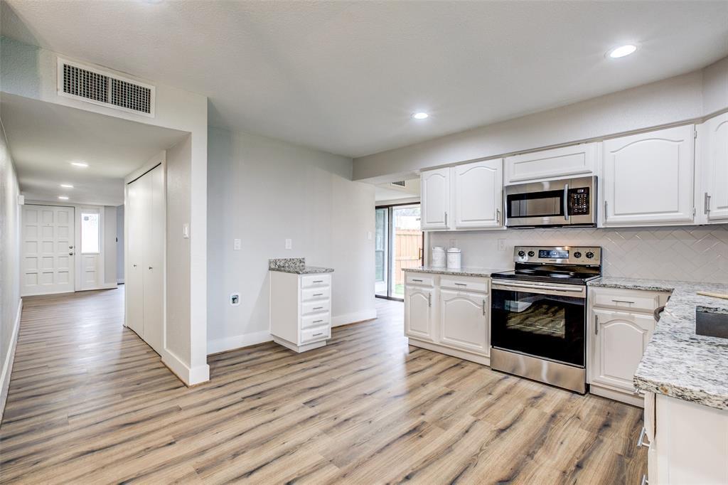 Sold Property | 7622 Christie Lane Dallas, TX 75249 10