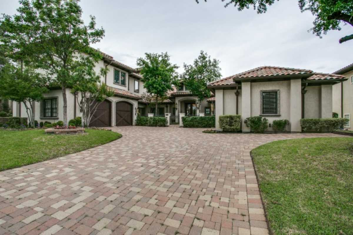 Sold Property | 1717 South Cottonwood Valley Circle Irving, TX 75038 0