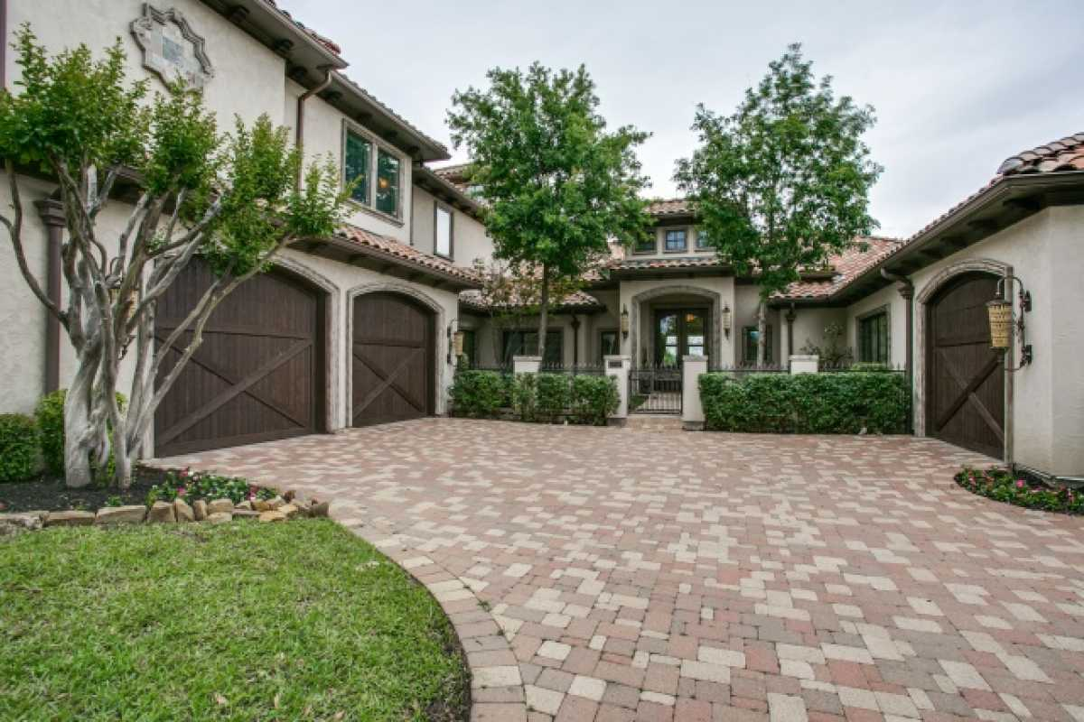 Sold Property | 1717 South Cottonwood Valley Circle Irving, TX 75038 5