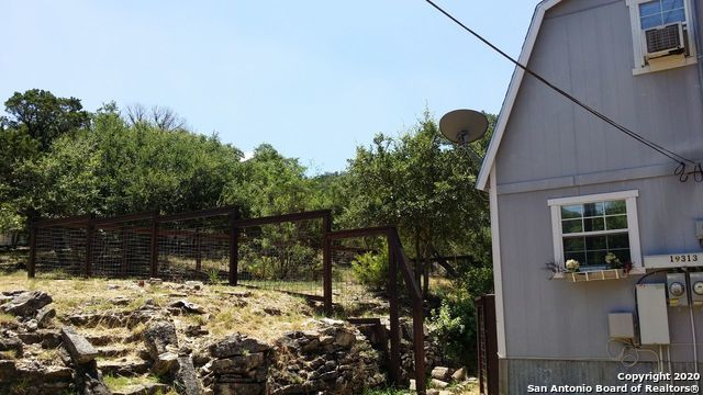 Property for Rent | 19313 Sherwood Trail  Helotes, TX 78023 17